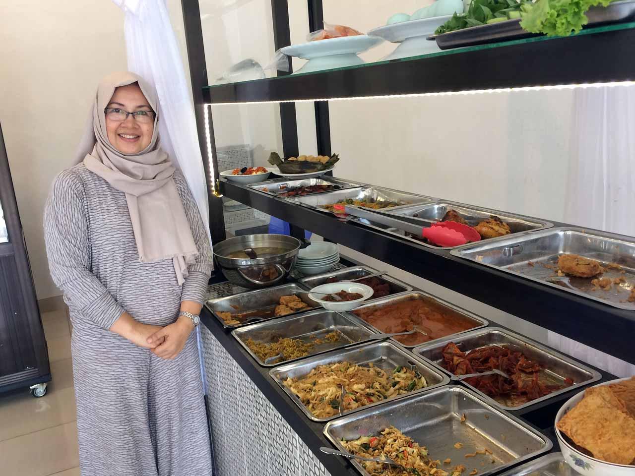 Kantin Rina - Tempat makan di bandar lampung - yopie pangkey - 2