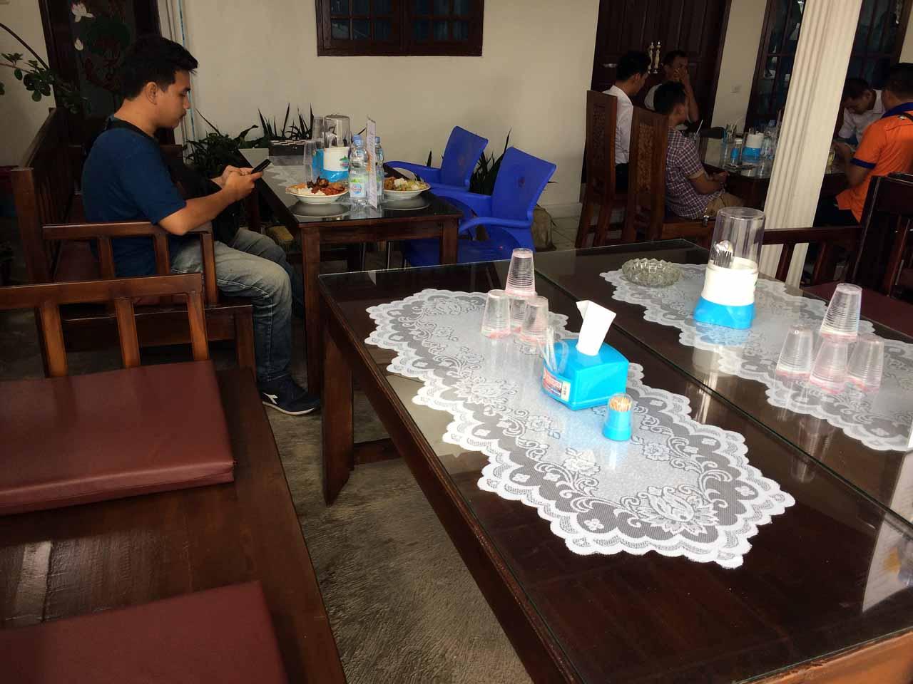 Kantin Rina - Tempat makan di bandar lampung - yopie pangkey - 4