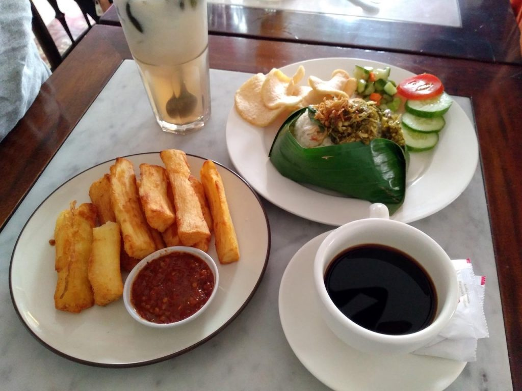 Kopi Oey - Tempat nongkrong di Bandar Lampung - Yopie Pangkey