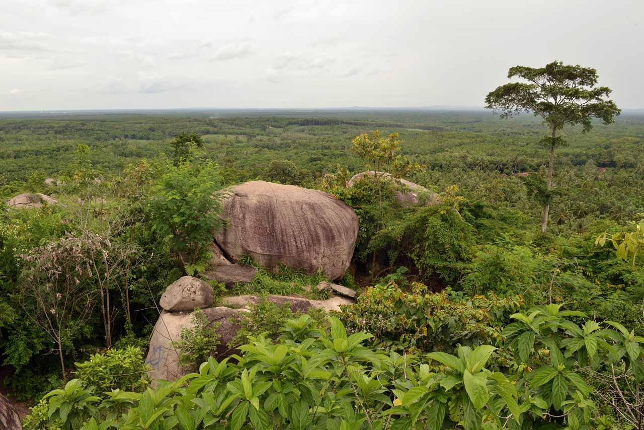Wisata Gunung Batu Sri Katon - Yopie Pangkey - 3