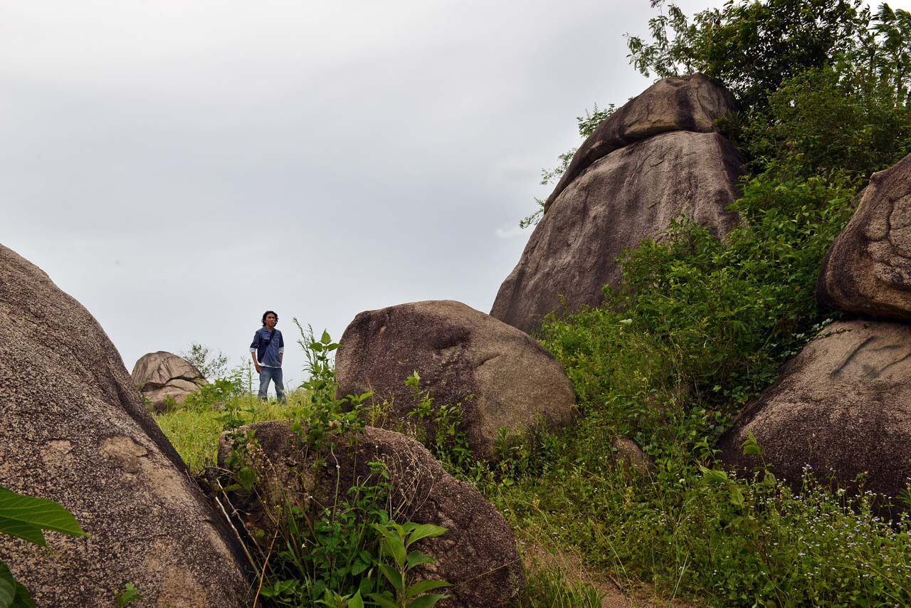 Wisata Gunung Batu Sri Katon - Yopie Pangkey - 8