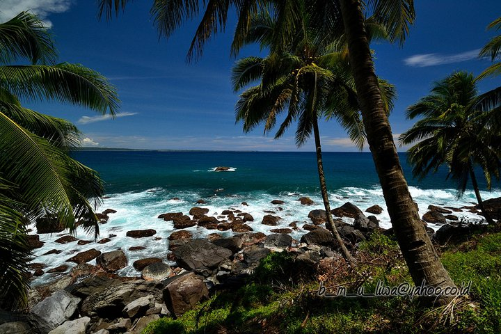 Pantai Tebakak - Budhi Marta Utama