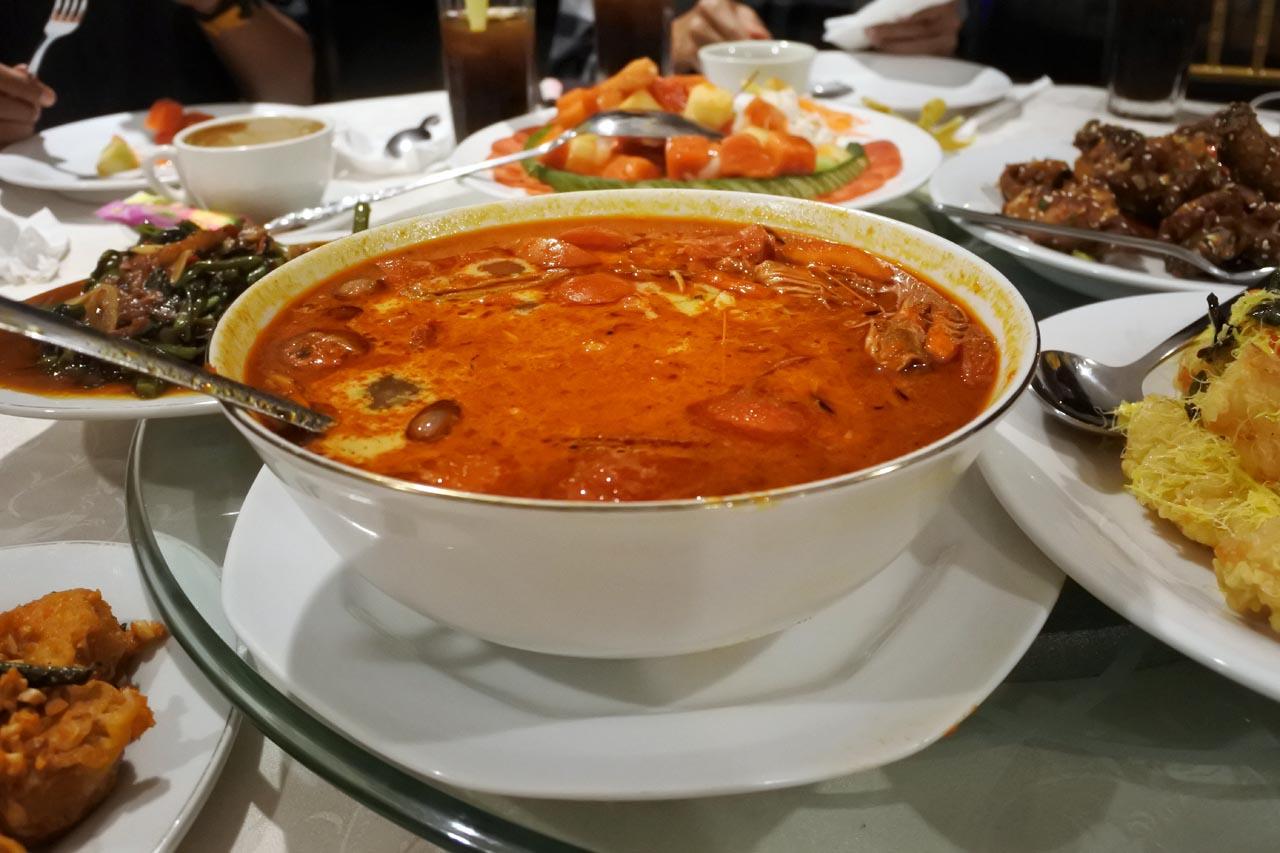 Selebriti Entertainment Center - tempat makan di bandar lampung - yopie pangkey - 1