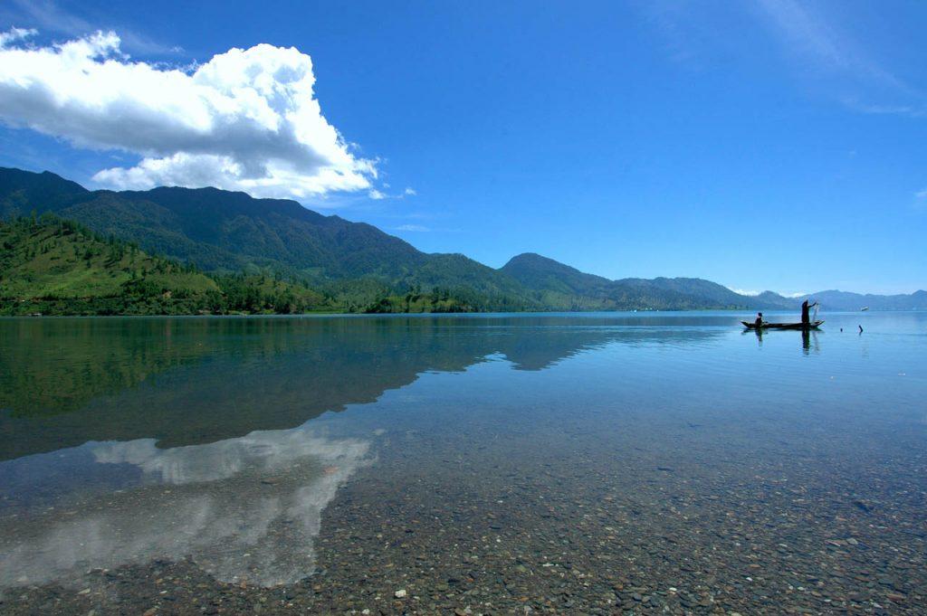 danau lut tawar - tempat wisata di takengon - aceh tengah - yopie pangkey - 4