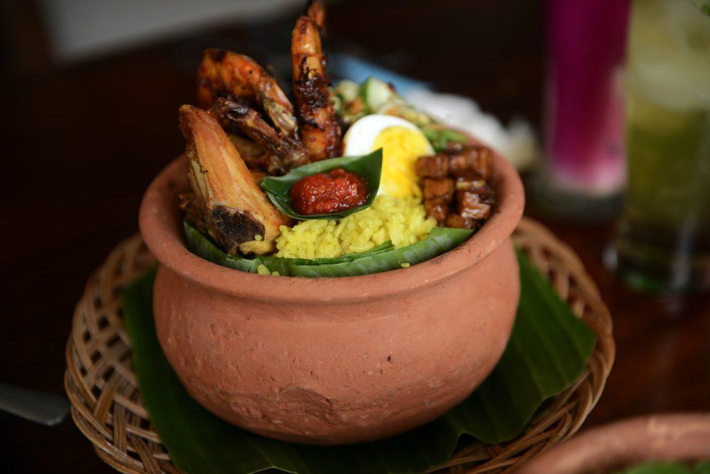 Nasi kuning kendil - Umah Bone Resto - Kuliner Bandar Lampung - Yopie Pangkey - 14