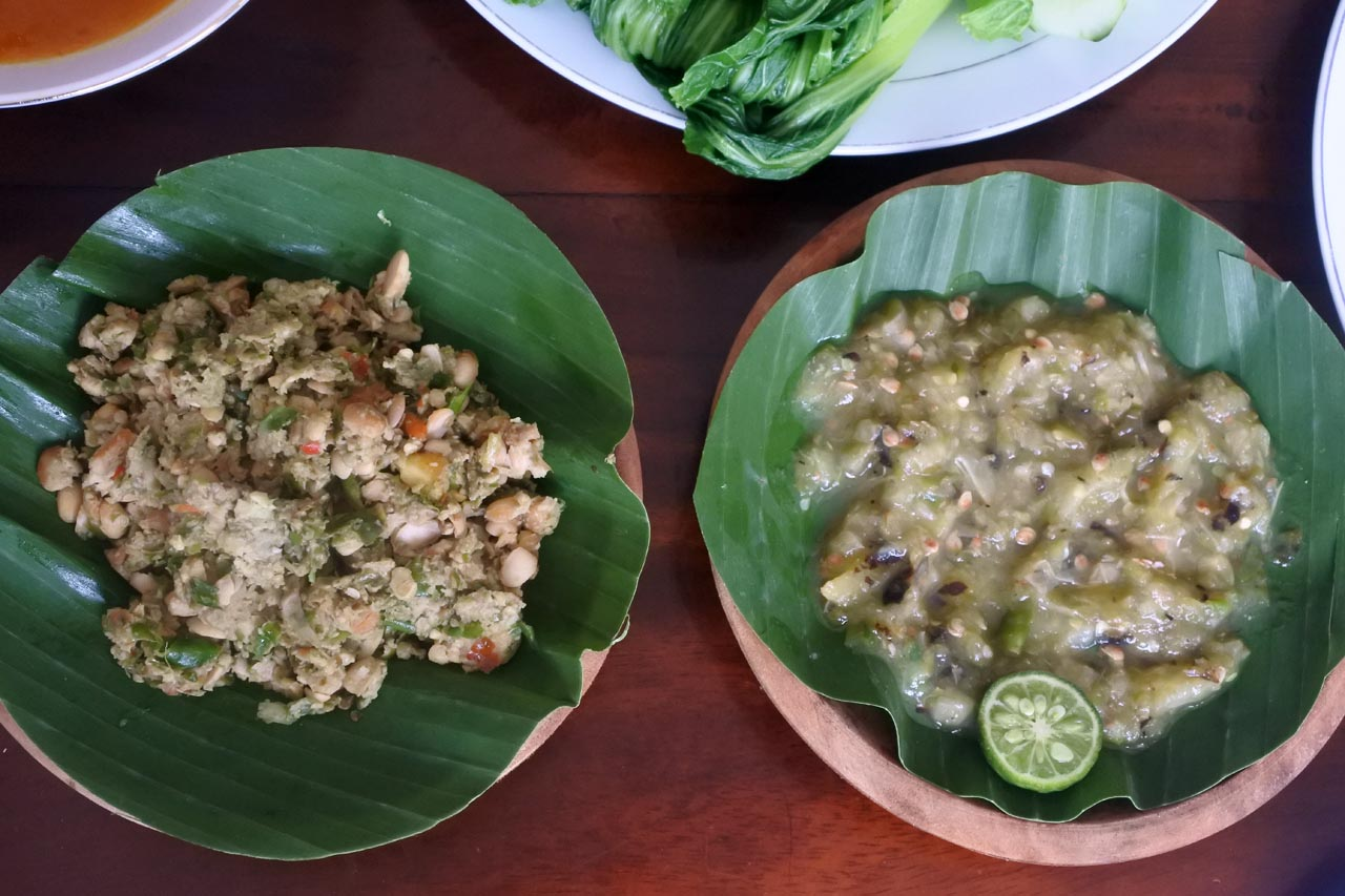 Tempe penyet dan Sambal Belimbing - Umah Bone Resto - Yopie Pangkey - 7