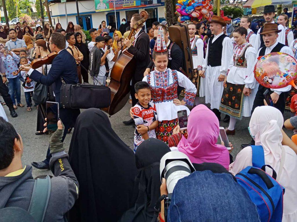 Erau Adat Kutai dan International Folk Art Festival VI - 2018 - yopie pangkey - 13