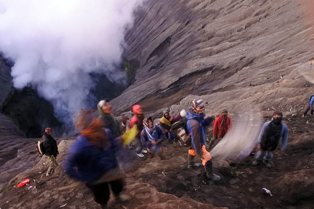 Kawah Bromo - Yadnya Kasada 2018 - Hasil foto Nikon 1 j5 - Yopie Pangkey - 7