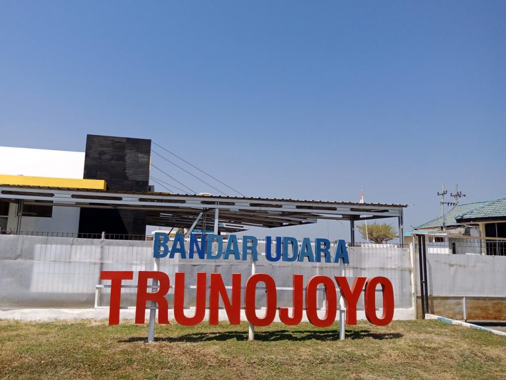 Bandara Trunojoyo