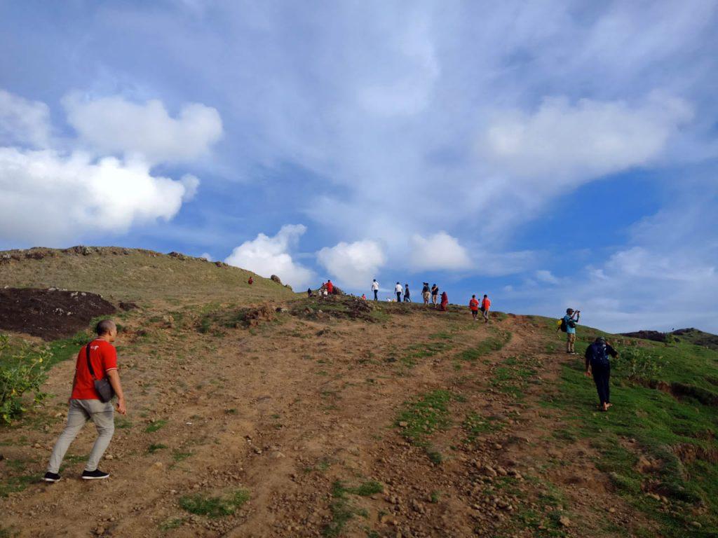jalan ke bukit merese lombok - Yopie Pangkey