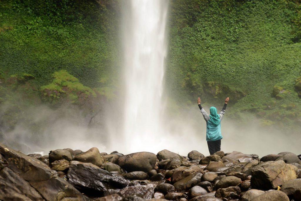 Air Terjun Putri Malu Lampung - Way Kanan - Yopie Pangkey - yopiefranz