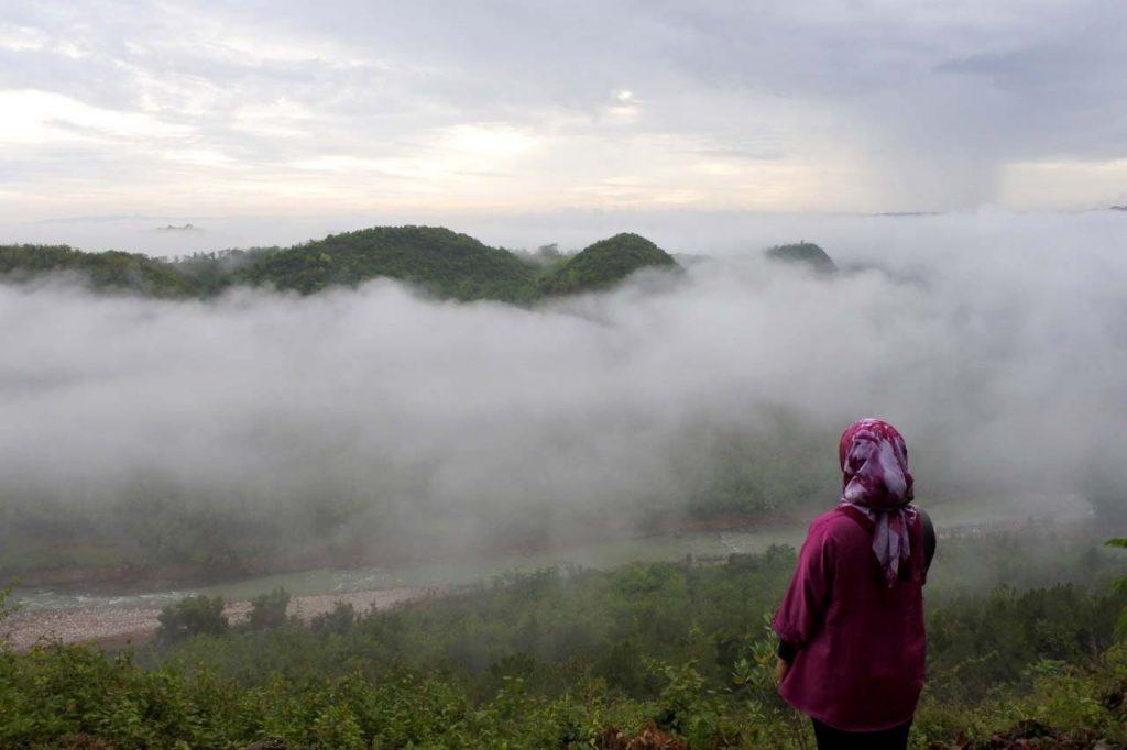 tempat wisata di yogyakarta - bukit panguk kediwung - yopie pangkey