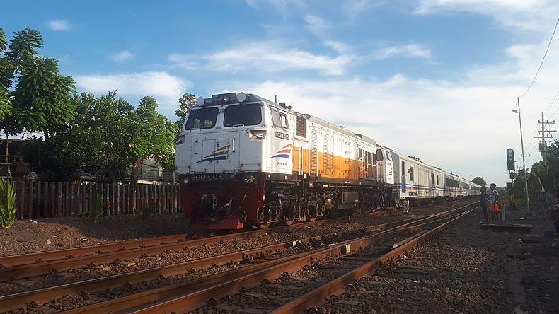 Jawal Keberangkatan Kereta Api Surabaya Malang - Wikipedia - Rizal Ardiansyah
